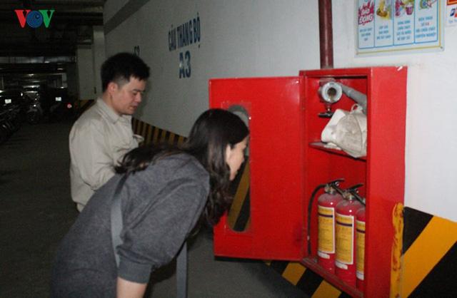 Cận cảnh chung cư nguy cơ cháy nổ cao khiến cư dân luôn sợ hãi - Ảnh 5.