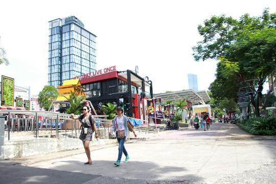 Tối hậu thư cho quán xá và bãi xe ở Công viên 23 Tháng 9 - Ảnh 1.